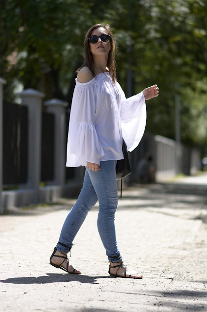 mango sandals hm sheinside streetstyle ootd 70thies loosebloose jeans fashion style blogger