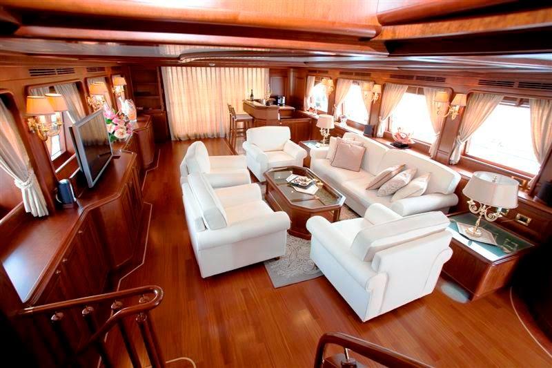 Mariah-London-Yacht