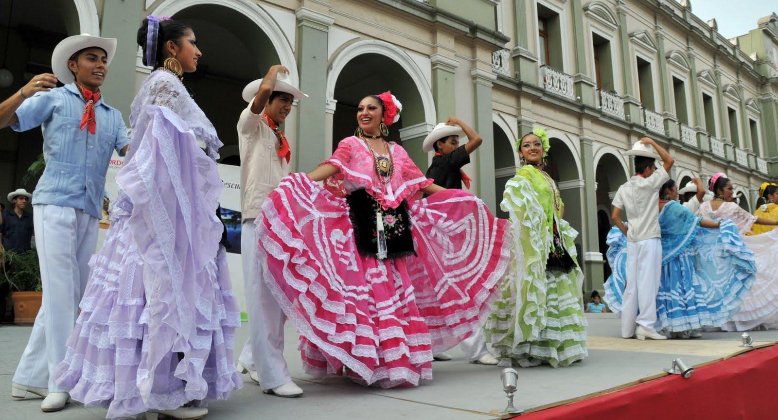 de las regiones de Durango y Guerrero, danzaron por espacio de ...