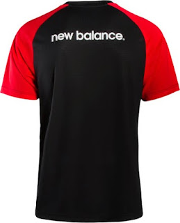 Jersey training Liverpool warna hitam terbaru musim 2015/2016
