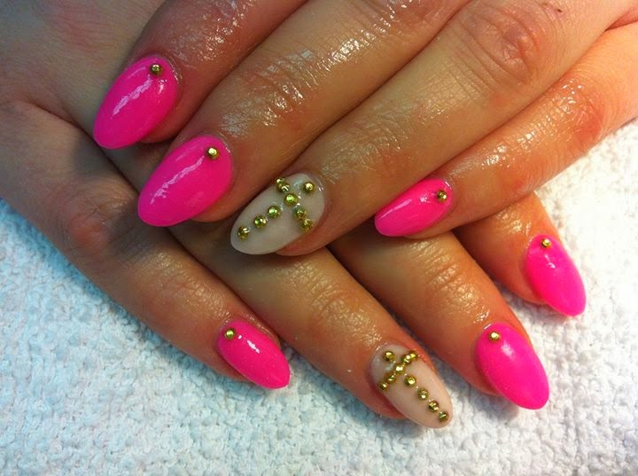 acrylic extensions -LED-polish-manicure-natural-nails-classic-French-acrylics-simple-nail-art-acrylic-gelish-gel-Nail-Polish-OPI-Lacquer-Pedicure-care-natural-healthcare-beauty in hot pink  vanilla creme  gold stud feats-LED-polish-manicure-natural-nails-classic-French-pink-crystal-acrylics-simple-nail-art-acrylic-backfill-gelish-colour-pink-silver-gel-OPI-Lacquer-Pedicure-care-natural-healthcare-Gel-Nail-Polish-beauty-nails-Nail-Art-USA-UK
