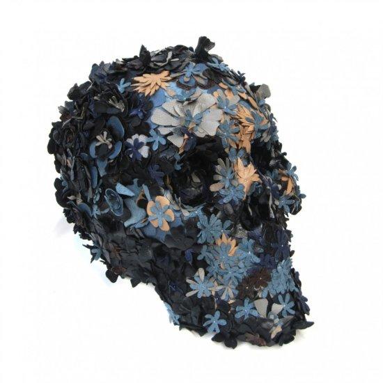 jacky tsai esculturas crânios caveiras flores