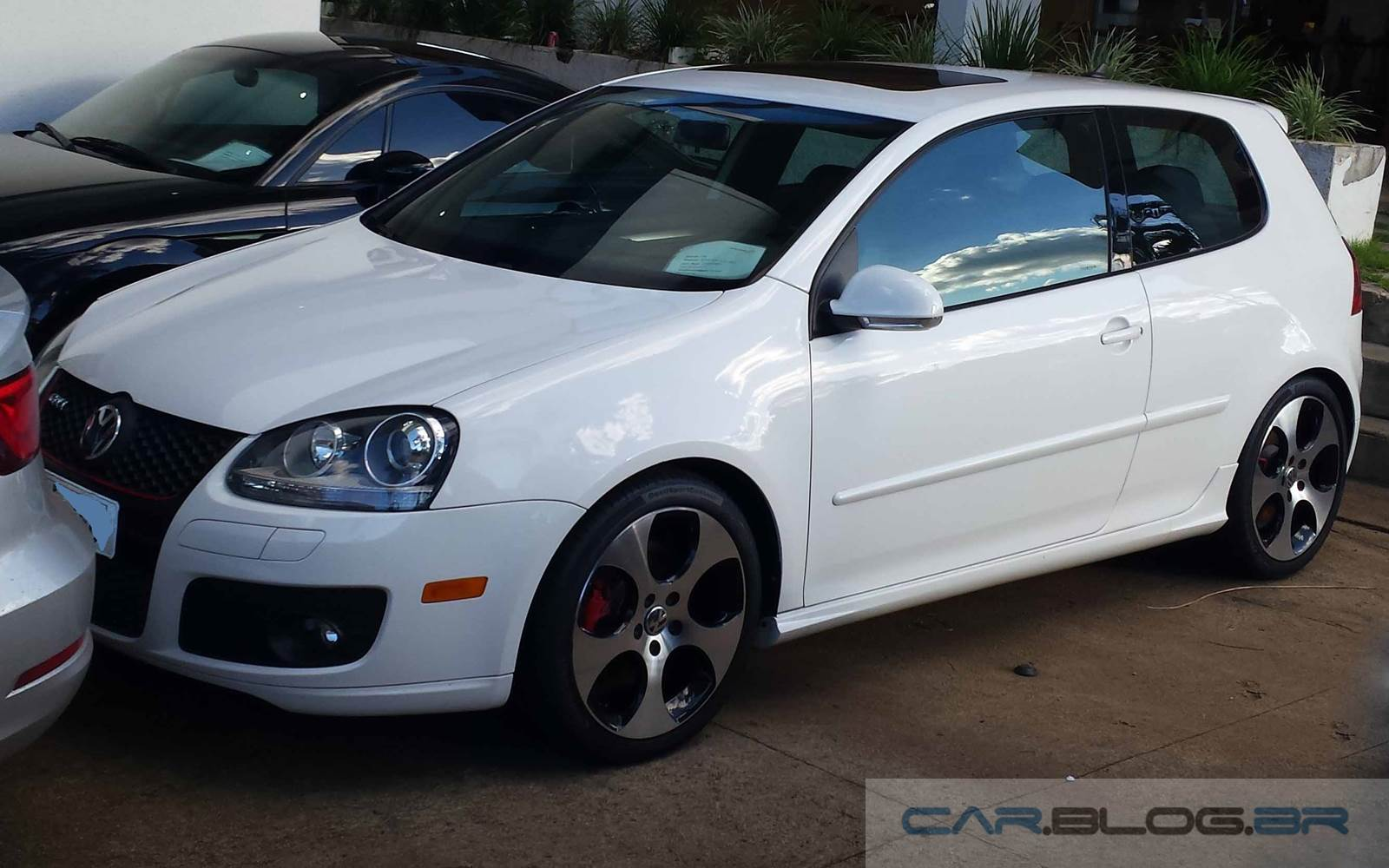 VW Golf GTI MK5 - carroceria mais rígida que a do Jeep Renegade