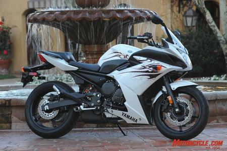 all about motorcycle: Yamaha FZ6R Price