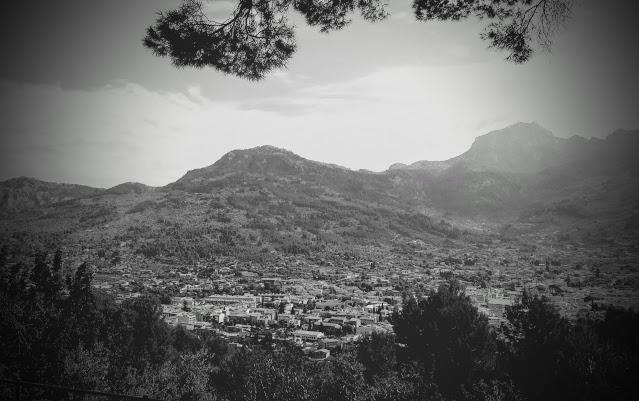 Soller by och det lilla trätåget - Mallorca