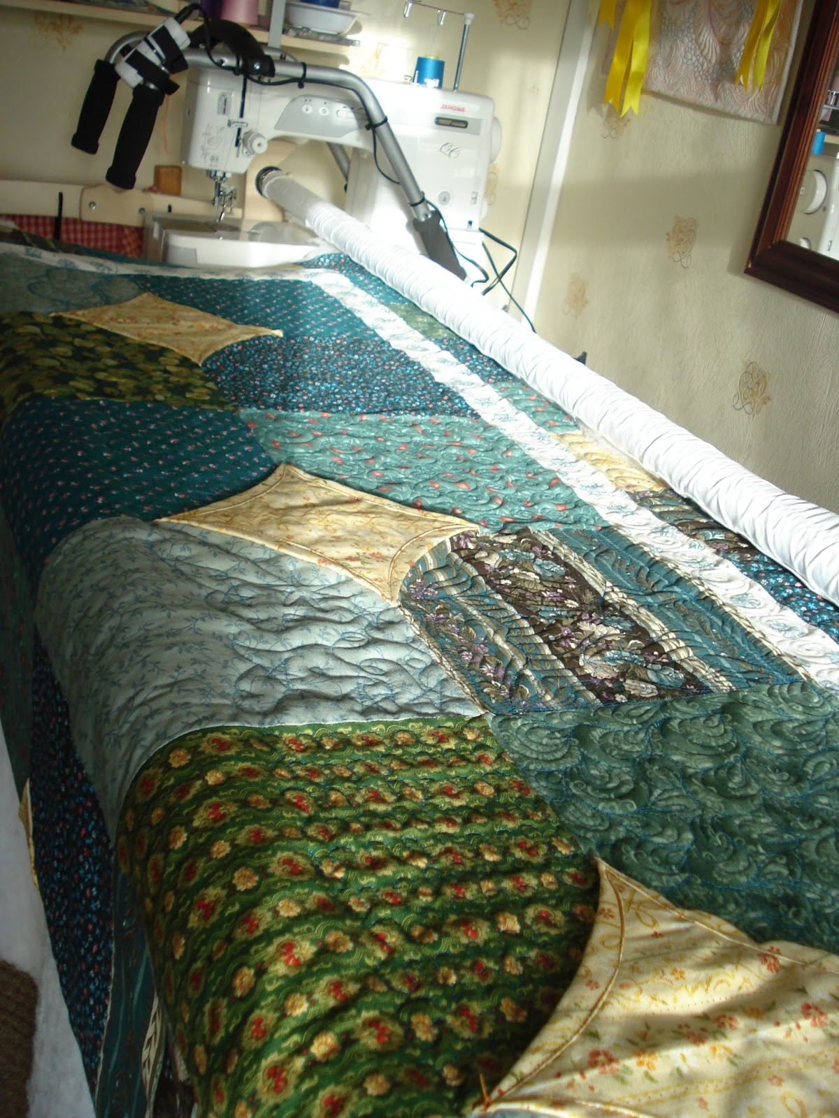 The Nifty Stitcher: A Practice Quilt - on the Frame