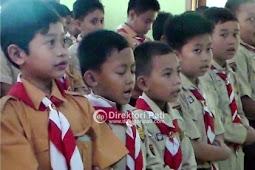 Siswa SD Sholat Gaib Tragedi Mina Teteskan Air Mata