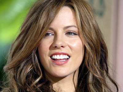 Kate Beckinsale Wallpaper-02-1600x1200