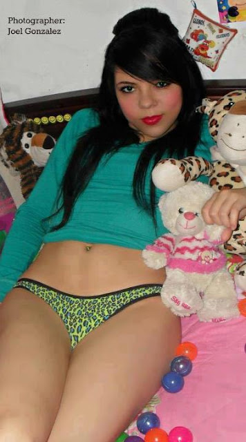 foto telanjang bulat pantat semok gadis latin