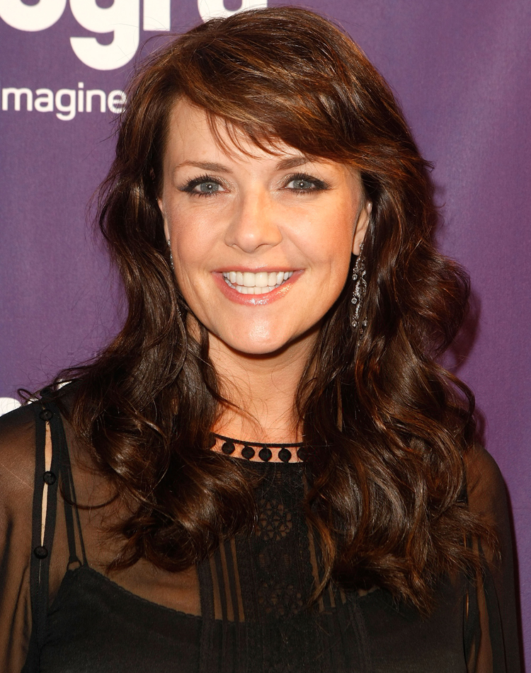 Canadian Celebrities Hairstyle - Amanda Tapping