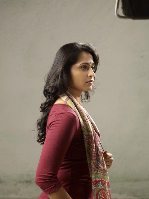அனுஷாவின் தெய்வதிருமகன் திரைப்படத்தின் ,படங்கள்! Anusha+In+Theivathirumakan+Movie+Stills+%25287%2529