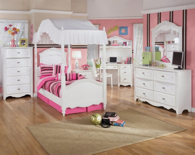 Nursery in pink color