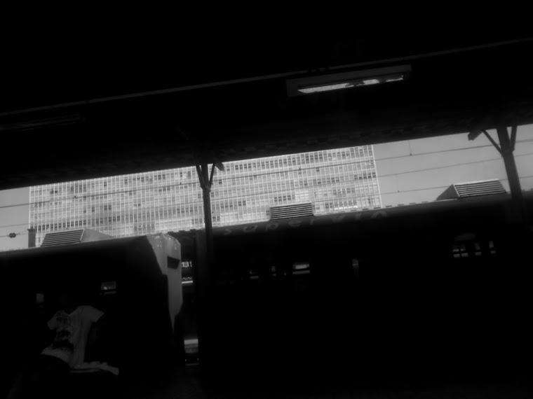 CADERNOS DE AFRICA  _vendedor na estacion_ rio de janeiro - RJ / BRASIL