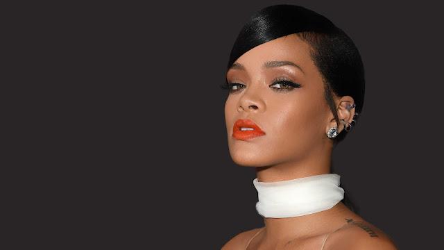 Rihanna realiza sesión de fotos en las calles de Los Ángeles.