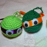 http://churrasymerinasmanualidades.blogspot.com.es/2014/12/bolas-navidad-tortugas-ninja-desafio-40.html