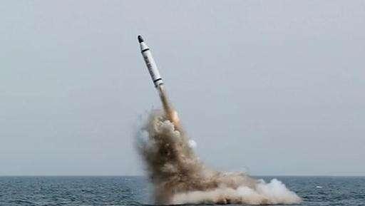 Rudal Rudal Berkecepatan Suara Cina Bersiap Hadapi Kapal Perang AS