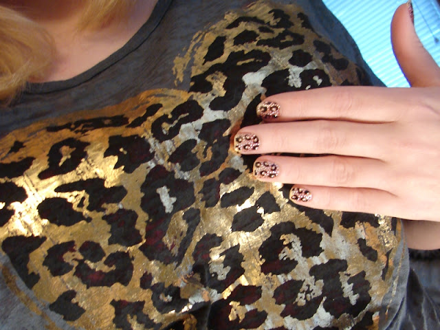 nails nailart nail art polish mani manicure Spellbound Kiss Nail Dress Princess stickers leopard print bling rhinestones Influenster Holiday VoxBox review image heavy picture swatch test Girl's Night Out outfit gold tan brown black