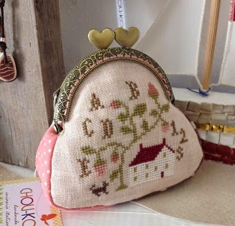 Wee coin purse