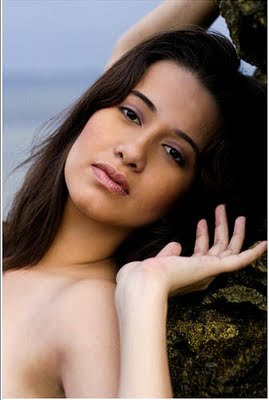 top searched phto and top rated photo shoots of most popular celebrity Karla Henry, Karla Henry in a swimsuit