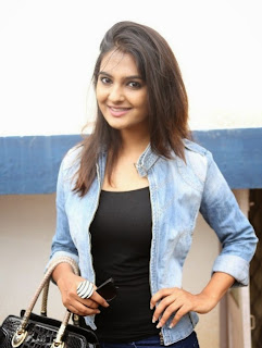 Actress Neha Deshpande Pictures in Jeans At Pochampally IKAT Art Mela  16
