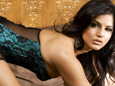 Sunny Leone Canadian Model Wallpapers 03