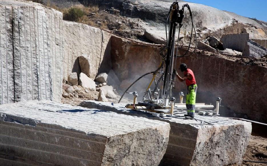Procesos de obtenci n de los materiales petreos for Como desmanchar el marmol blanco