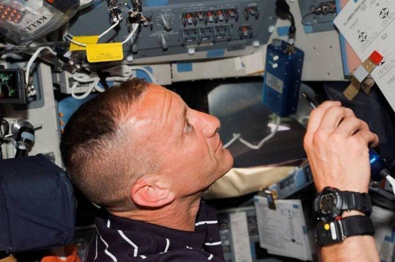 g-shock-nasa-2012-gge-1.jpg