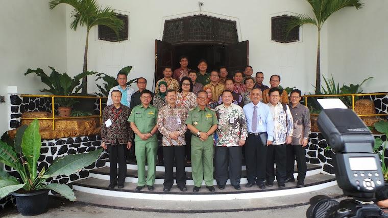 PPKB Lanjutan Otoritas Jasa Keuangan bersama Walikota Cirebon 17 November 2014