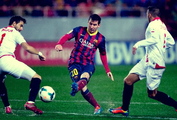 Messi scoring against Sevilla