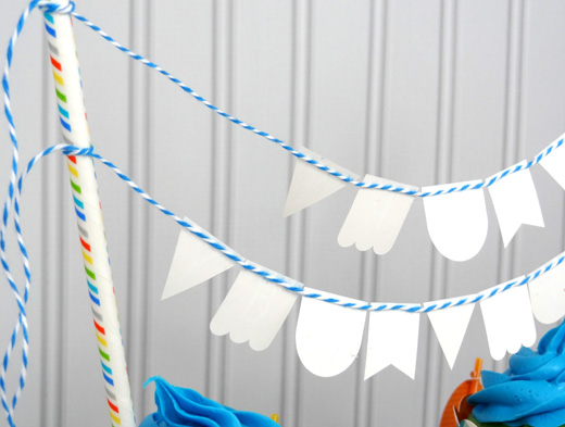 Cupcake mini birthday banner assembly | popperandmimi.com