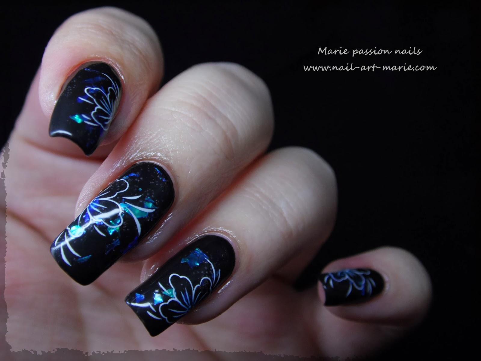Nail art fleurs de diamant7