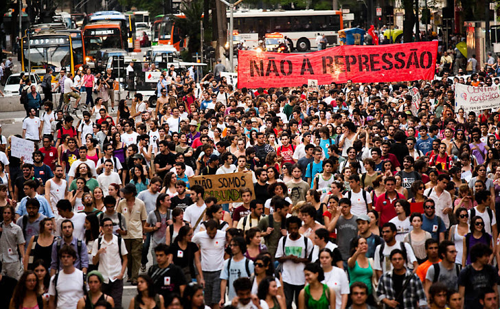 Todos na rua