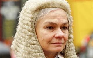 """Γυναίκα Δικαστής σε παιδεραστή: """"Δεν σε κατηγορώ που βρίσκεις τα παιδάκια ελκυστικά""""!!!"""