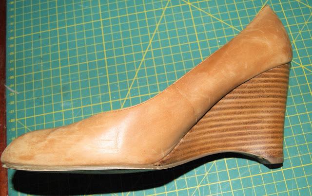 comment nettoyer ad quatement chaussures en cuir comment fait. Black Bedroom Furniture Sets. Home Design Ideas