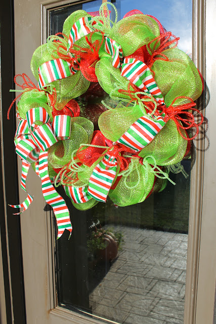 how to make deco mesh wreath