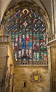 Catedral de San Vito en Praga. Vitrales de Iglesias. Catedrales. Iglesias del Mundo. Iglesias por el mundo. Basilica Cristiana. La iglesia en la edad media