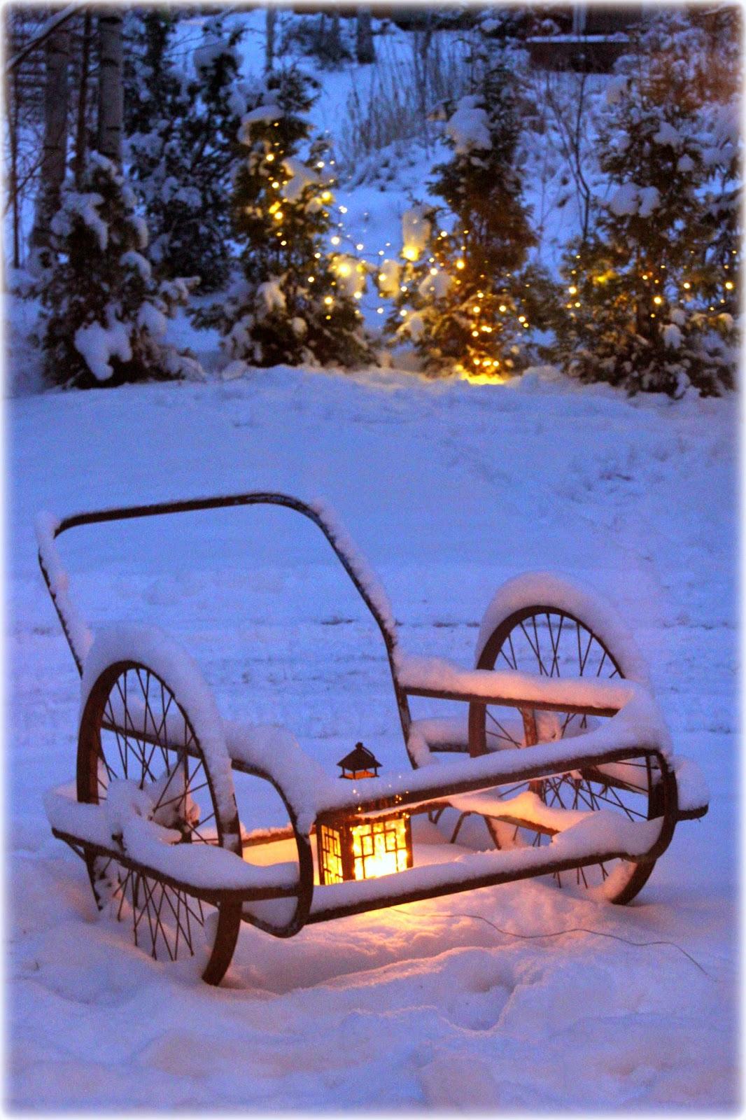 http://valkoistaharmoniaa.casablogit.fi/lue/2014/12/meidan-joulu-1