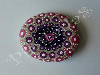pipiladas piedra pintada mandala