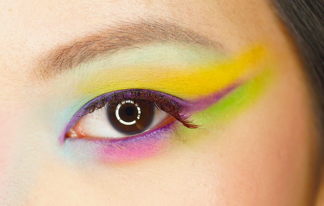 So I Went With It And At The Very End Of Tutorial Decided That Would Be A Bird Paradise Type Inspired Look Don T Ask Me Why