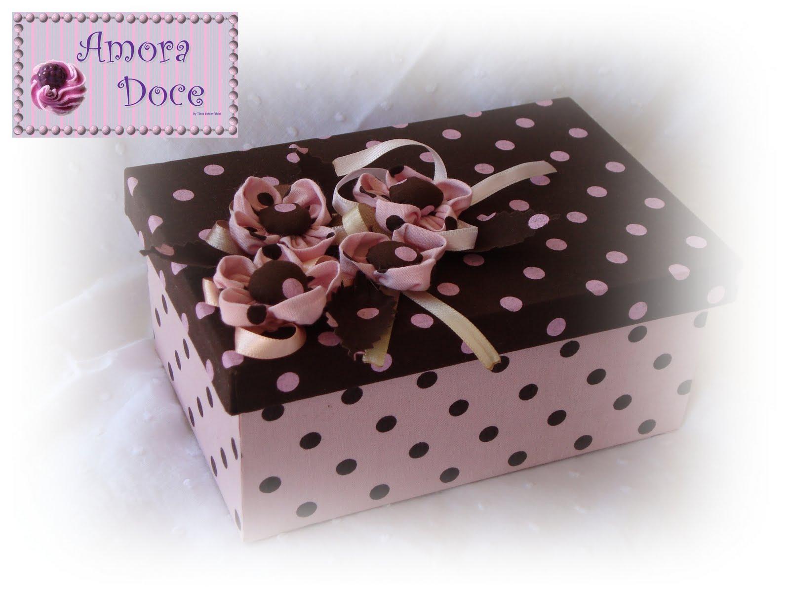 Amora Doce: Caixa forrada com tecido #2C1D1B 1600x1200