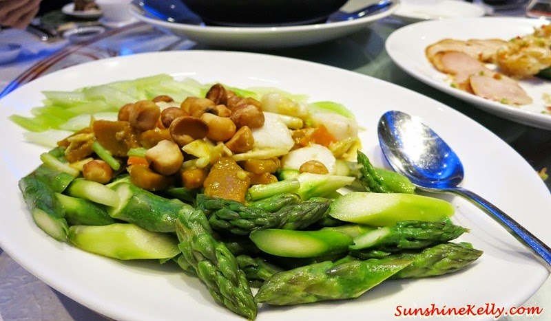 Stir Fried Scallops, Pumpkins, Asparagus and Celery, Macadamia Nuts, Food Review, CNY2015 Menu, Celestial Court, Sheraton Imperial Kuala Lumpur, Chinese New Year Dish, Chinese Food, Lou Sang, Yee Sang