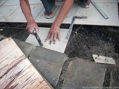 pemasangan lantai keramik langkah 5