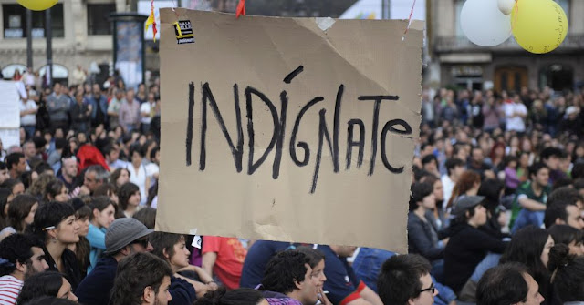 REVOLUÇÃO DOS INDIGNADOS TOMA CONTA DA ESPANHA