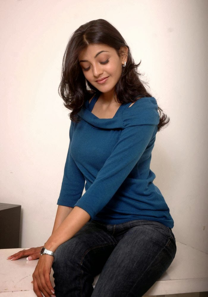 Kajal+Agarwal+in+blue+top+and+jeans003