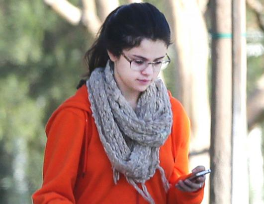 Selena Gomez Without Makeup Pictures 2013 ~ All About HD Wallpapers