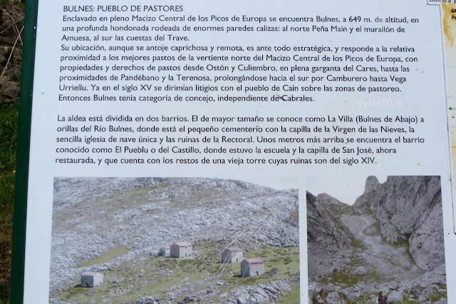 Panel con información sobre el pueblo de Bulnes