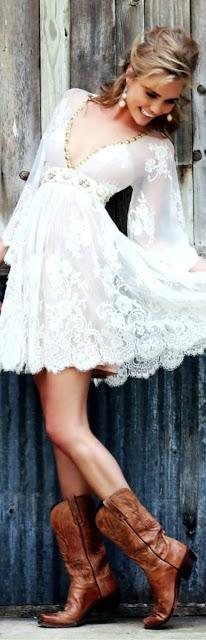 Looks boho chic botas cowboy vestido branco bordado  tendencia verão 2015