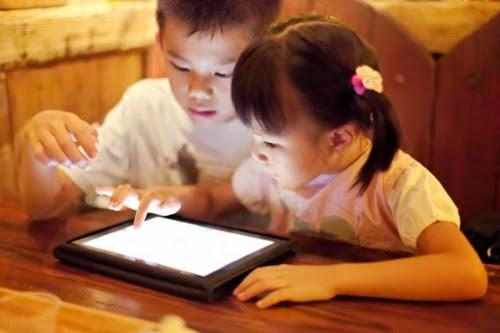 Lý do nên hạn chế trẻ tiếp xúc với thiết bị điện tử