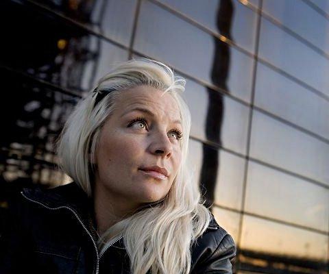 Signe Lindkvist hjalp sin mor med selvmord