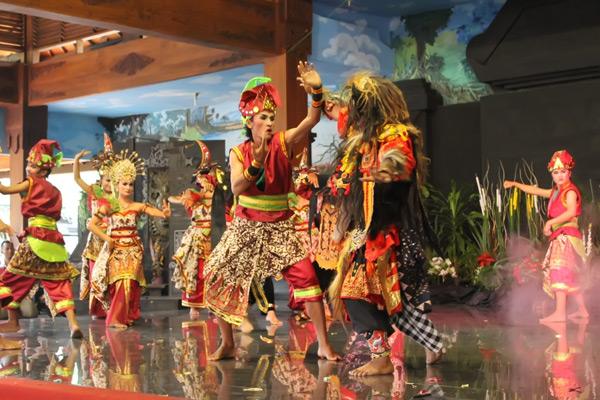 Cerita Rakyat Damar Wulan dalam Bahasa Jawa